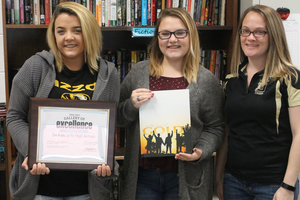DHS yearbook wins award