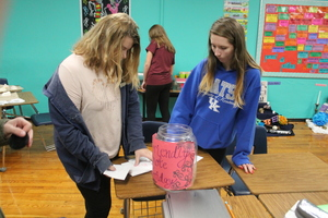 Students' positive notes makes impact on school