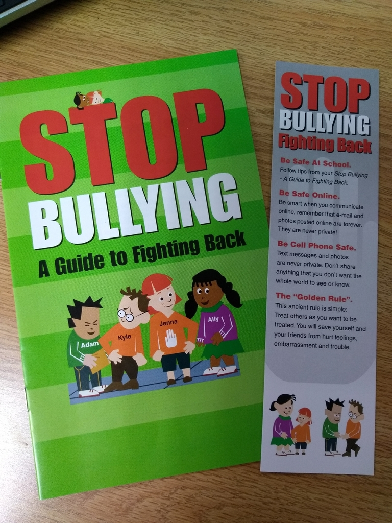 Every student received a booklet and bookmark